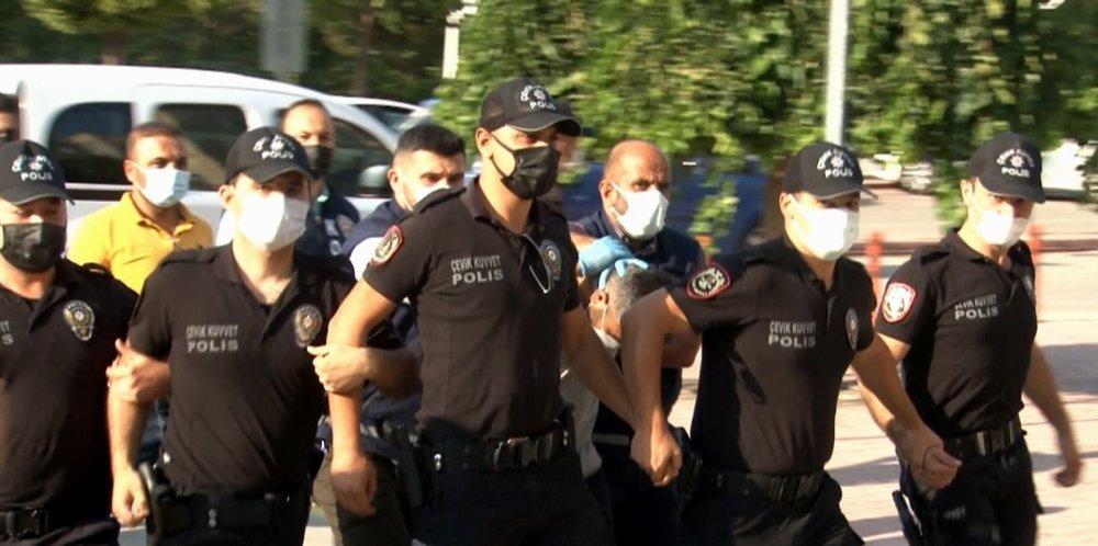 Konya'da 7 kişinin katil zanlısı adliyeye sevk edildi! Etten duvar ördüler!