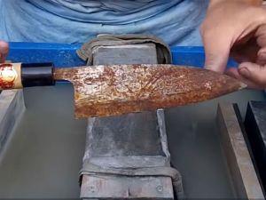 Bıçak Üzerindeki Küf Nasıl Temizlenir?