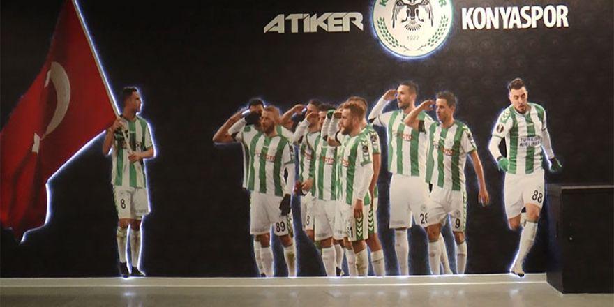 Konyasporlu futbolculara yeni yıl sürprizi