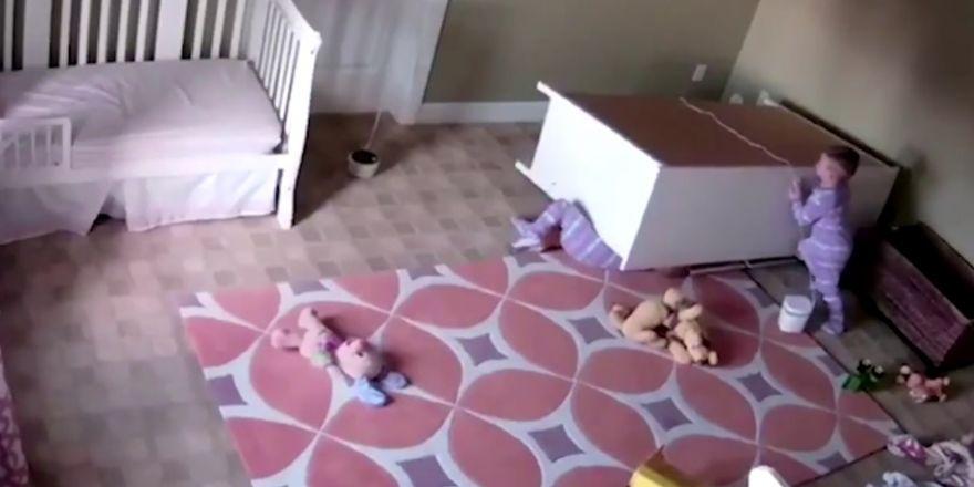 İzlenme rekoru kıran ikizler