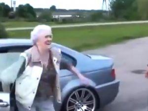 Büyükanne'den BMW M3 ile inanılmaz drift!