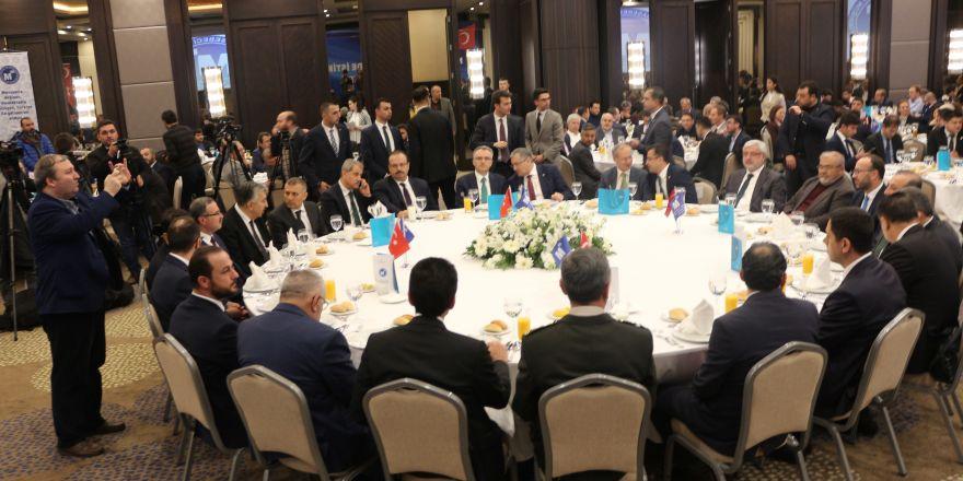 Bakan Ağbal, Konya SMMMO'nun düzenlediği istişare toplantısına katıldı