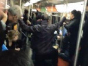 Metroda panik: Yolcuların çığlıkları kamerada
