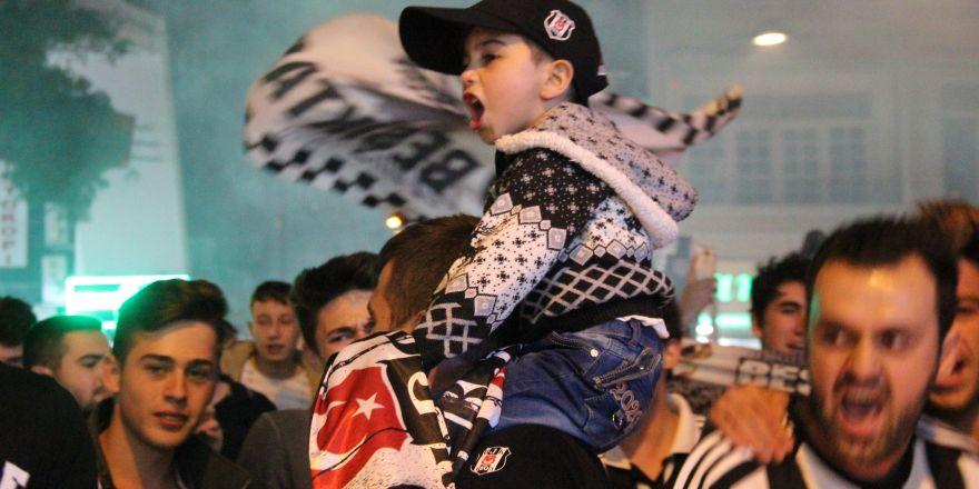 Konya'da Beşiktaş'ın şampiyonluğu kutlandı