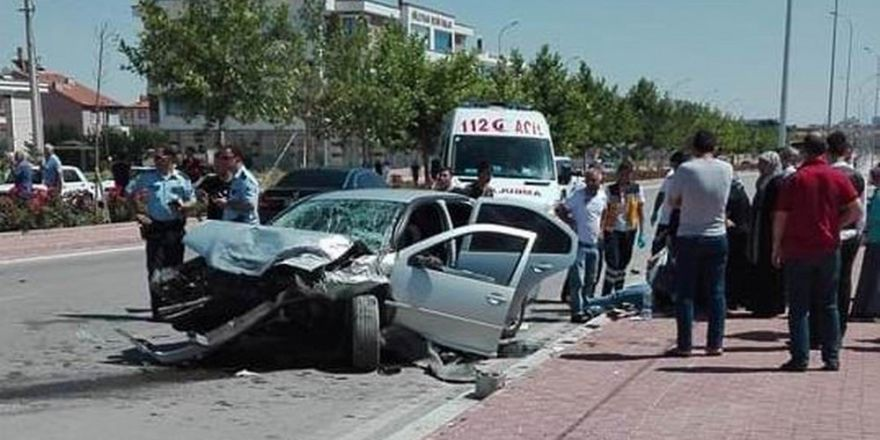 Konya'da iki otomobil çarpıştı: 8 yaralı