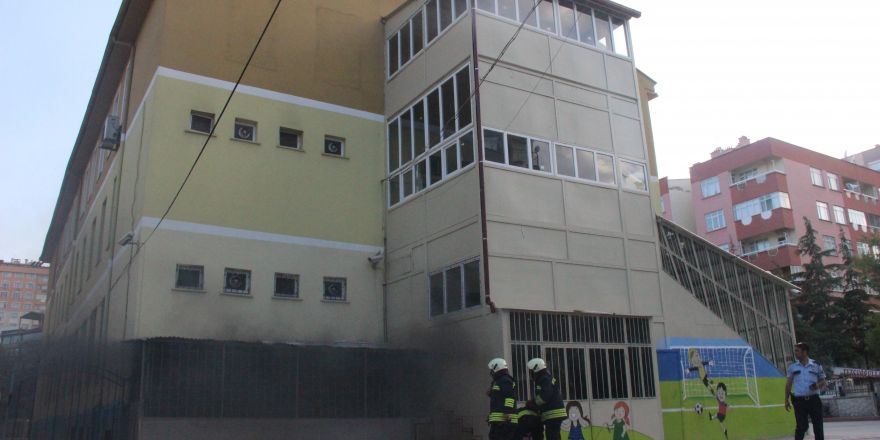Çocukların attığı torpil okulu yakıyordu