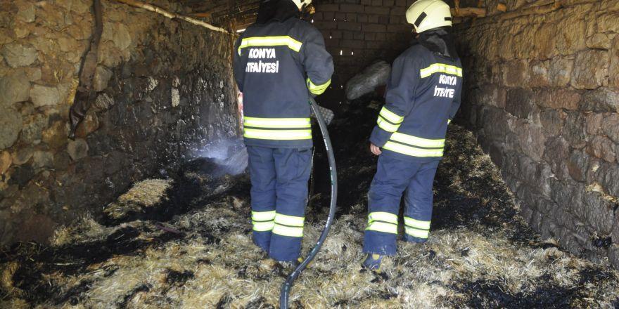 Konya'da samanlık yangını diğer evlere sıçramadan söndürüldü