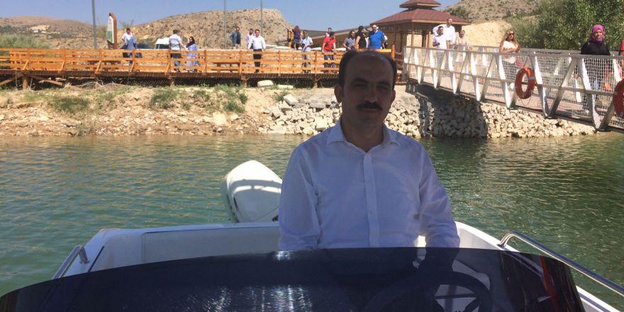 Başkan Altay tekne kullandı