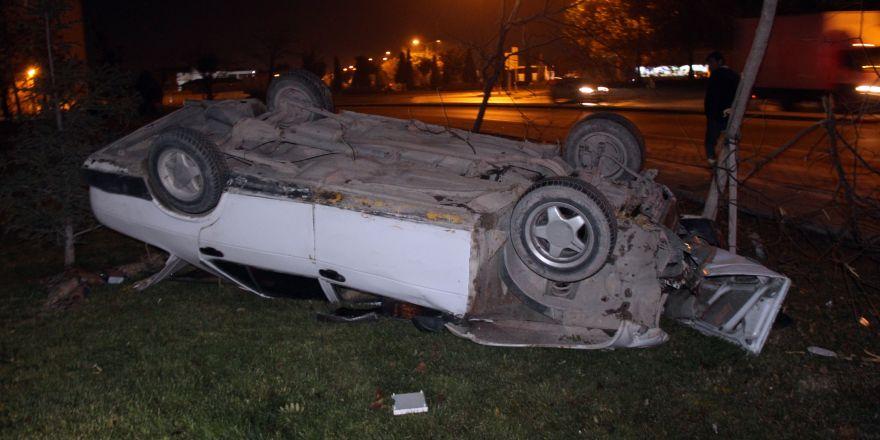 Polisin dur ihtarına uymayan ehliyetsiz sürücü takla attı