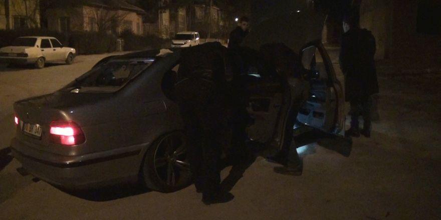 Gaspçıların polisle çatışan anı güvenlik kamerasında