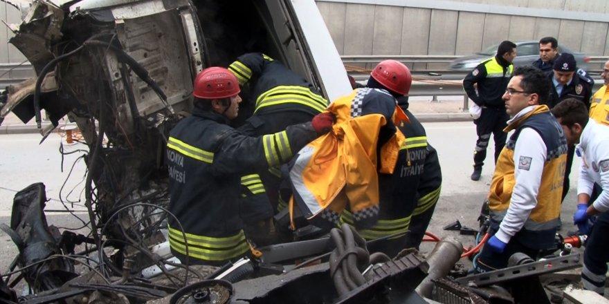 Üşüyen yaralının üzerine 112 çalışanı montunu örttü