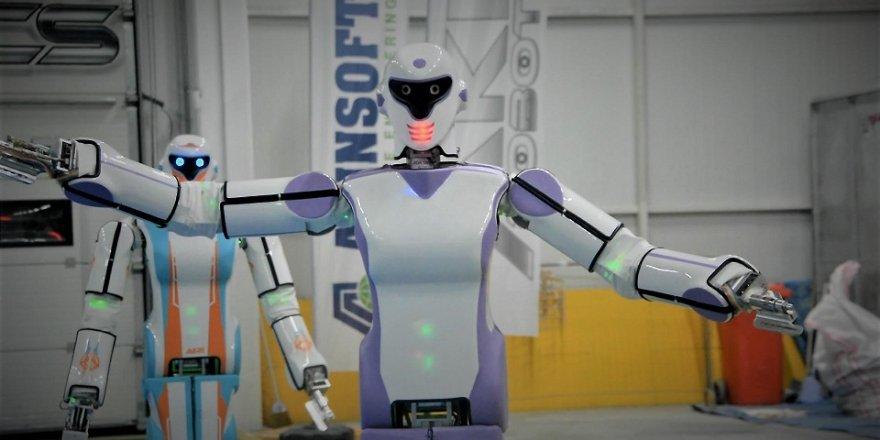 İnsansı robot, 'Erik Dalı' oynuyor