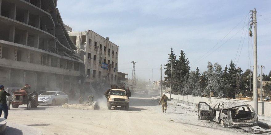 ÖSO askerleri ve TSK birlikte Afrin'e girdi