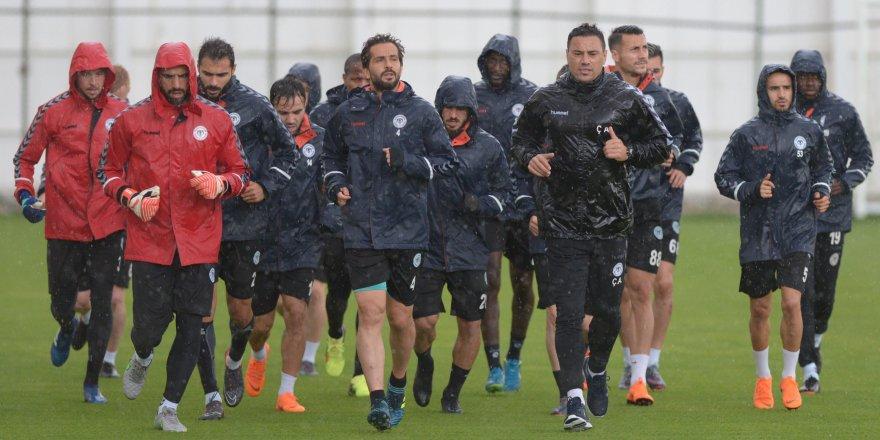 Atiker Konyaspor, Göztepe maçının hazırlıklarına başladı