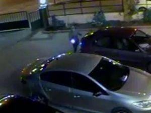 Elektroşoklu saldırı güvenlik kamerasında