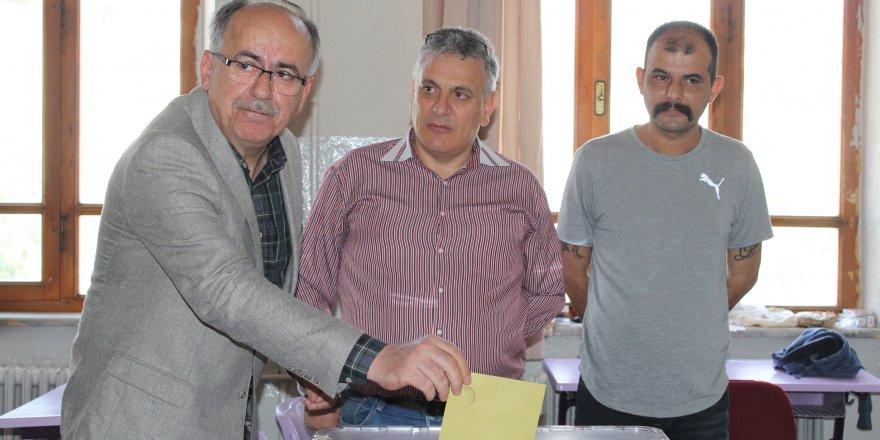 MHP'li Mustafa Kalaycı oyunu kullandı