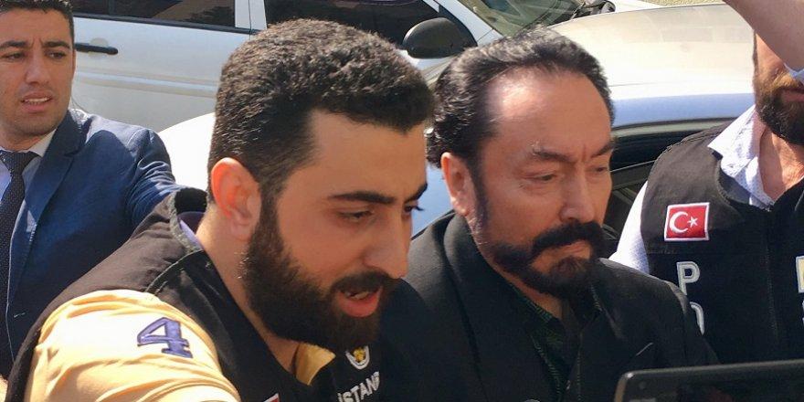 Adnan Oktar'a vatandaşlardan tepki