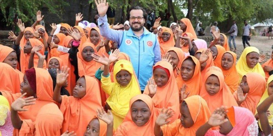 Tanzanyalı çocukların bayram sevinci