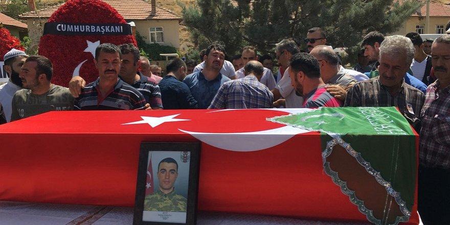 Şehit Piyade Er Osman Karağlı, gözyaşlarıyla uğurlandı