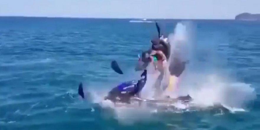 Jet-ski denizde bomba gibi patladı