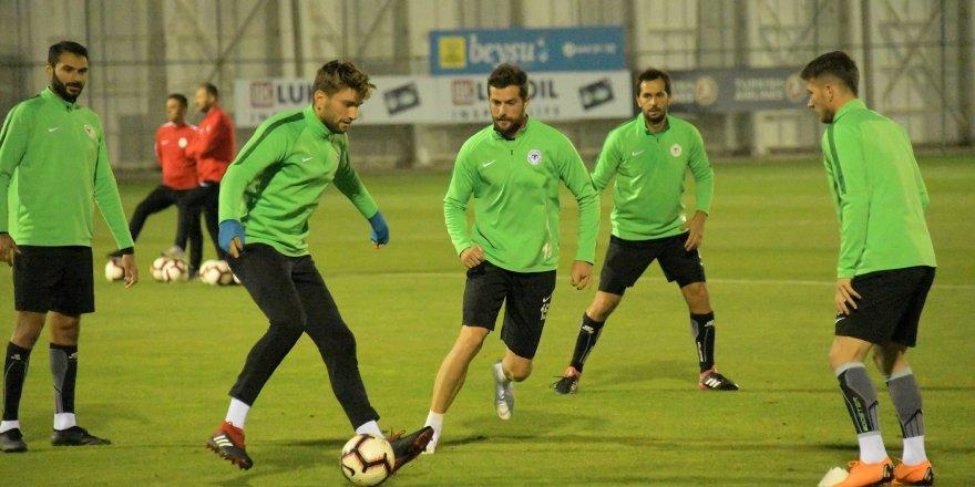 Atiker Konyaspor'da Rizespor mesaisi başladı