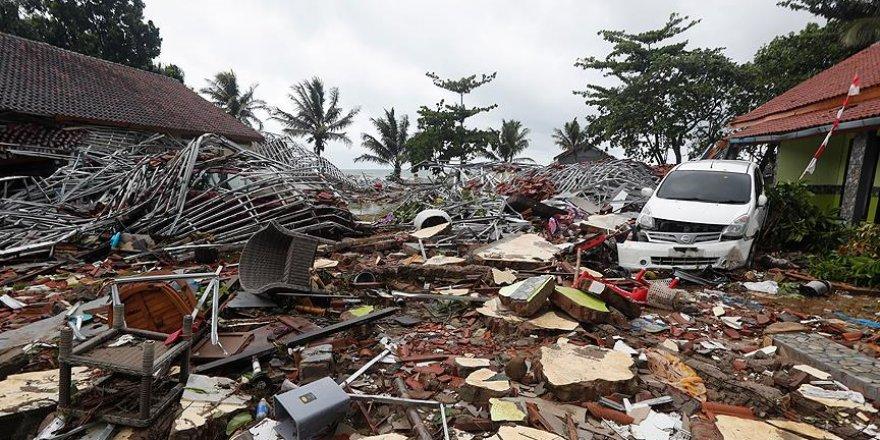 Tsunaminin yaşandığı Endonezya'dan görüntüler