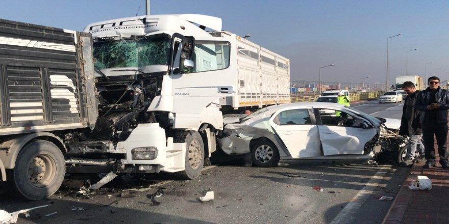 Konya'da sis nedeniyle 33 araç birbirine girdi: 1 ölü, 7 yaralı