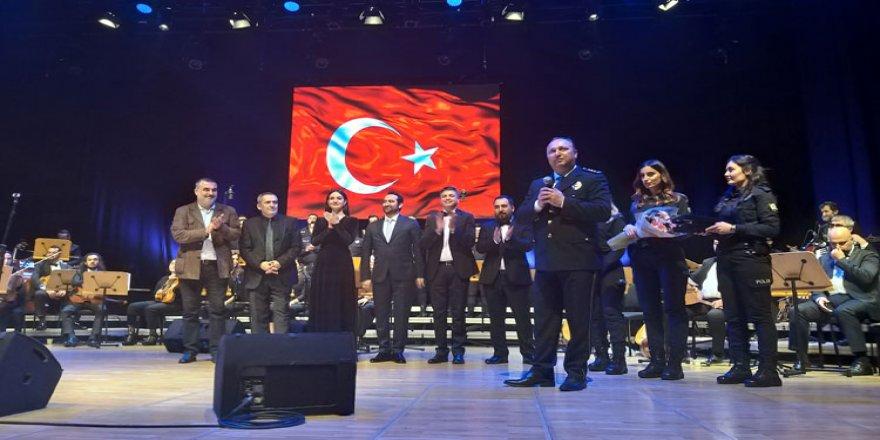 'Çevik Sesler Korosu' konser verdi
