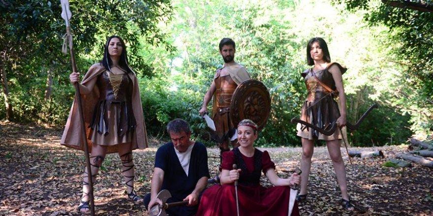 """""""Mitolojik ada""""nın efsaneleri turistleri karşılıyor"""