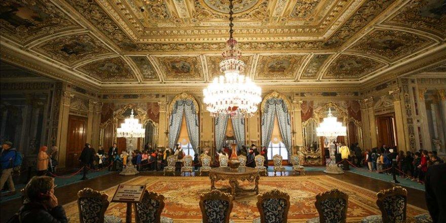 Dolmabahçe Sarayı on binlerin ziyaretine hazırlanıyor