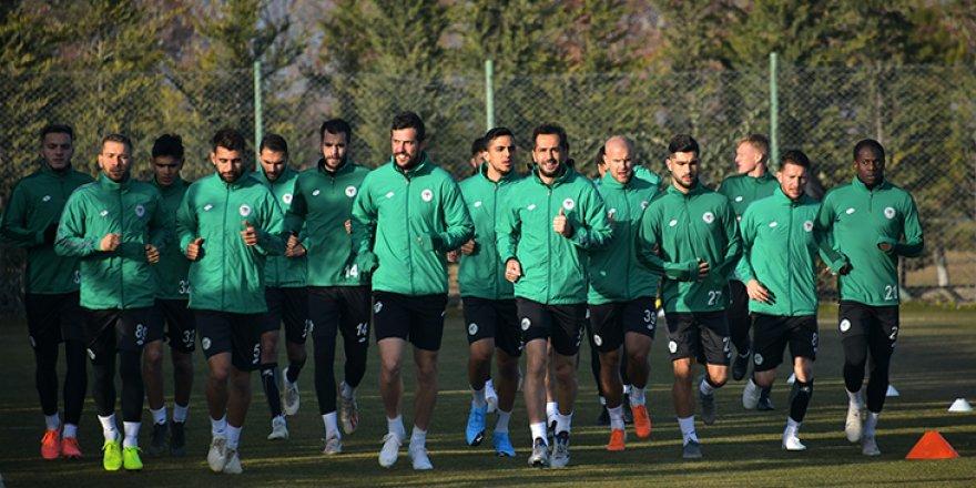 Konyaspor'da Uğur ve Zuta çalışmalara başladı