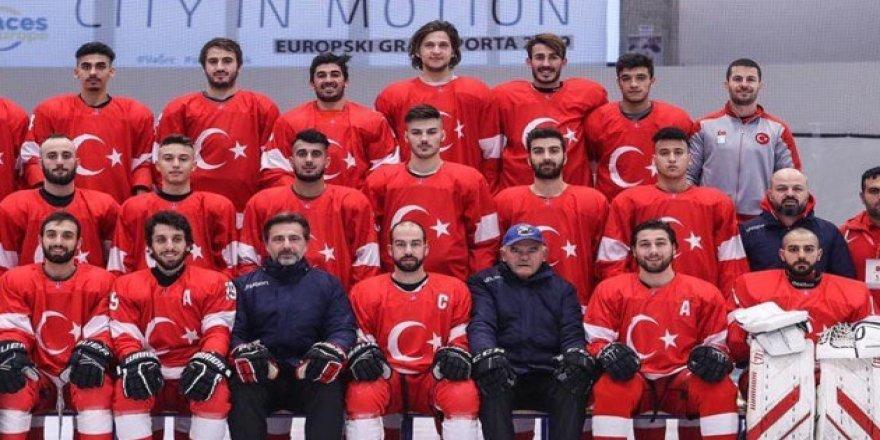 Buz hokeyinde İstiklal Marşı skandalı