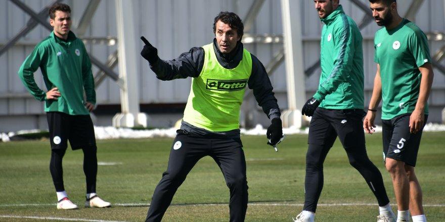 Bülent Korkmaz, Konyaspor'la ilk antrenmanına çıktı
