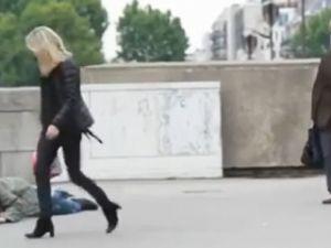 İbretlik video: Ve insanlık dış görünüşe bakar!