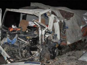 Silopi'de trafik kazası: 2 ölü, 3 yaralı