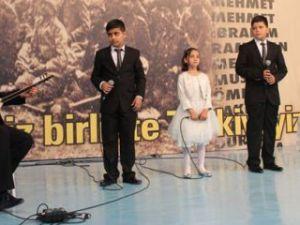 Çanakkale Türküsü'nü üç dilde seslendirdiler