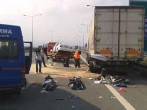 Otobanda feci kaza: 3 ölü, 2 yaralı