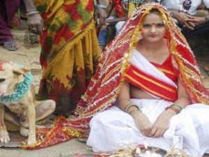 Şeytan korkusundan köpekle evlendi