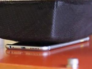 Apple'dan İphone 6 bükülüyor iddialarına videolu cevap verdi!