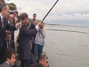 Davutoğlu'nun balık tutma keyfi