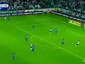Tomasz Brzyski'den sıradışı gol